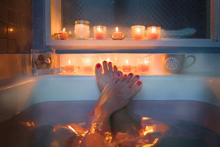 8 banhos de descarrego para fechar o corpo contra o mal
