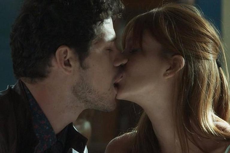 O beijo de novela de cada signo
