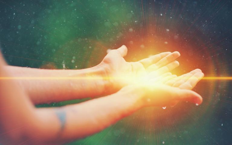 Envio de reiki pode ajudar a manter o equilíbrio emocional