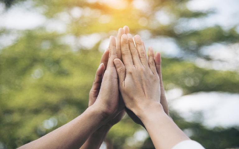 Combater a pandemia depende da nossa união - mesmo que de longe