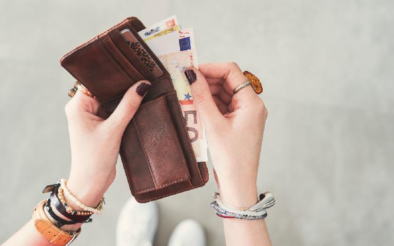 As simpatias vão te ajudar a atrair mais dinheiro para sua vida