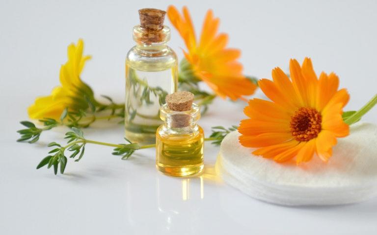 Aromaterapia: 13 óleos essenciais que ajudam a combater o estresse