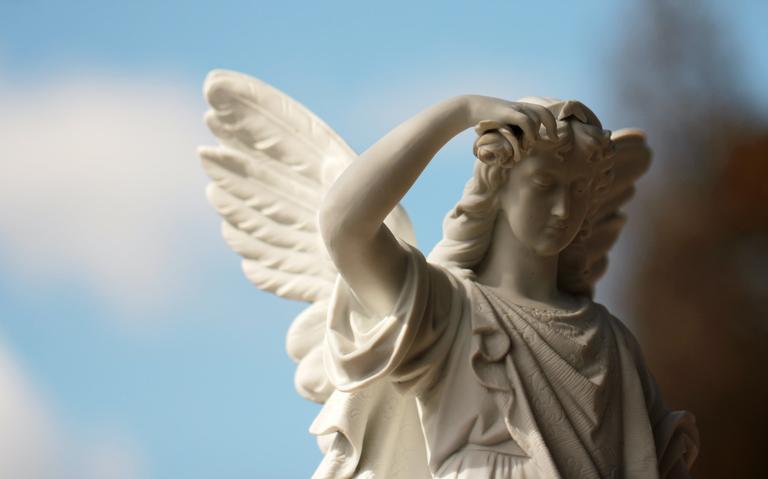 Os anjos são seres divinos que sempre auxiliam a humanidade