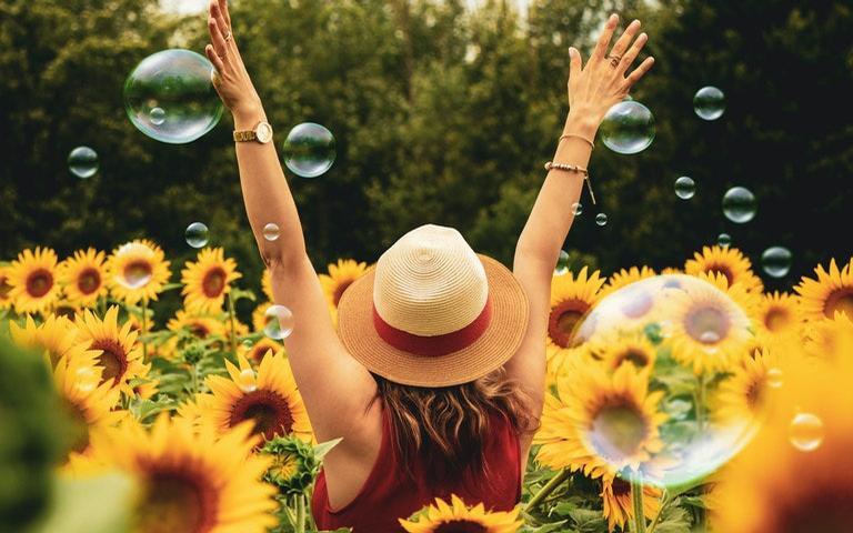 Para viver com mais felicidade, livre-se das energias negativas
