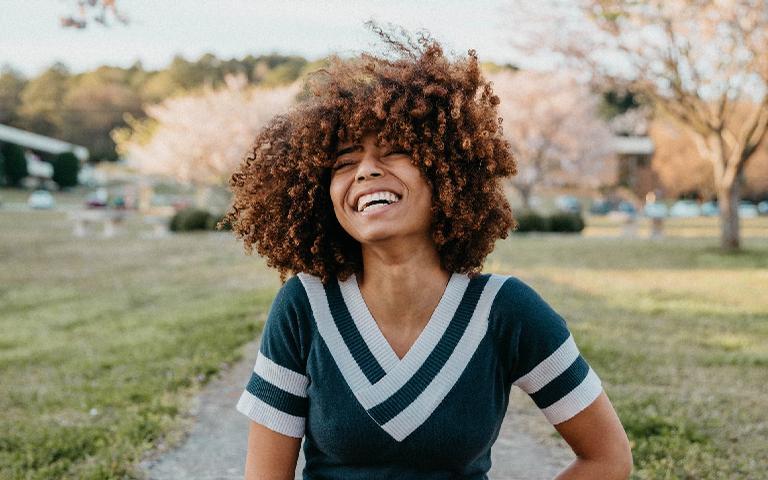 Fortaleça suas madeixas com o auxílio das simpatias para cabelo