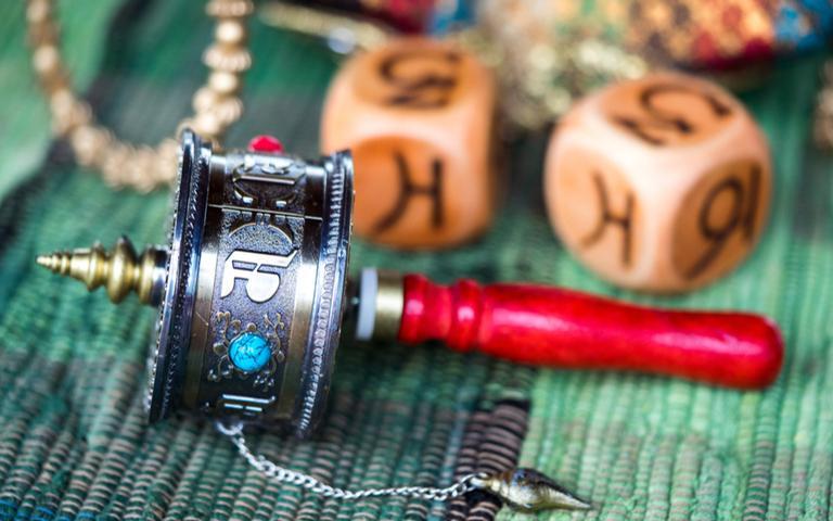 A roda de oração tibetana ajuda a se livrar dos karmas ruins