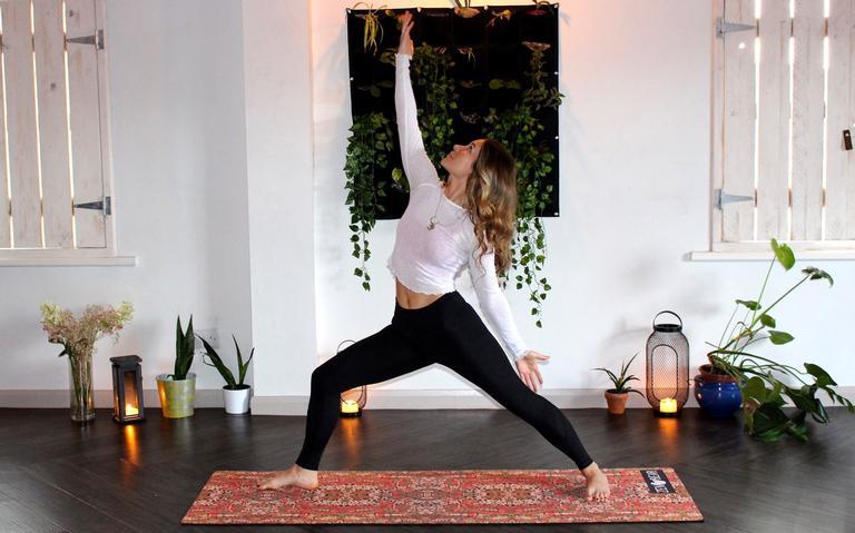 Melhore seu estilo de vida com os benefícios do yoga