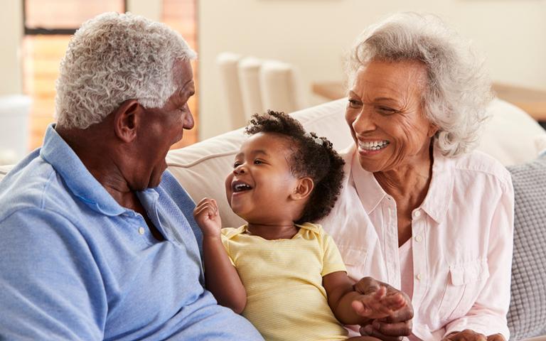 Conheça a personalidade dos avós de cada signo