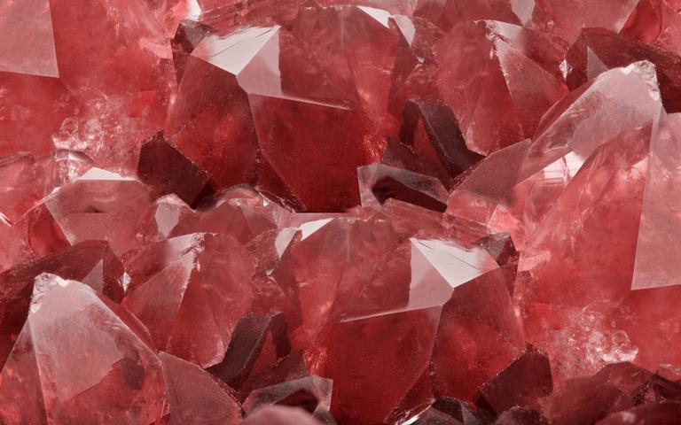 Descubra o poder dos cristais vermelhos