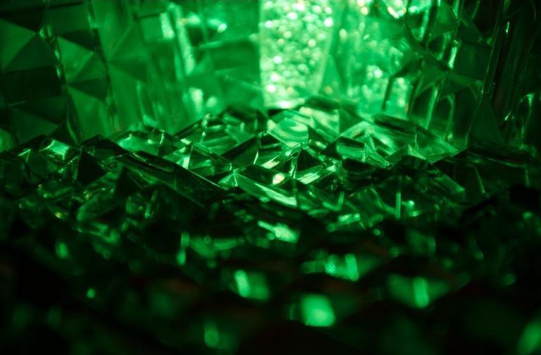 Descubra o poder dos cristais verdes