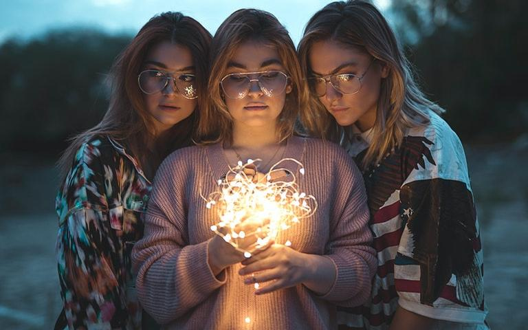 Cada mulher tem o seu jeito próprio de amar - Crédito: Ali Pazani/Pexels