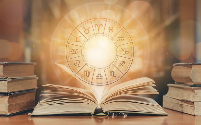 Saiba como a astrologia pode auxiliar no desenvolvimento da sua carreira