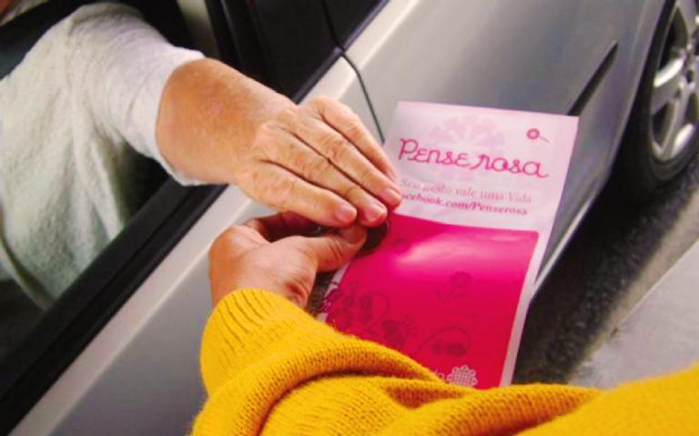 Campanha Pense Rosa traz informação sobre o câncer de mama