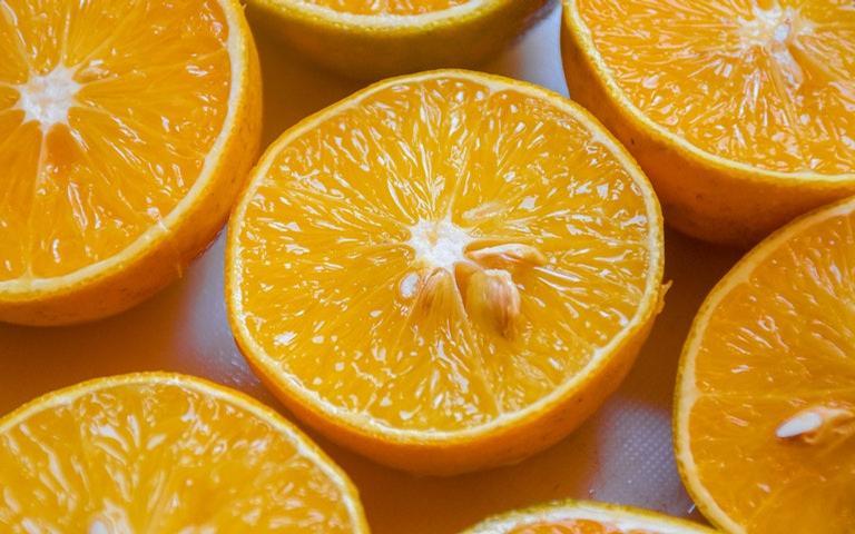 Veja as simpatias com laranja