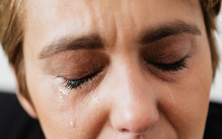 Não segure as lágrimas no momento de dor