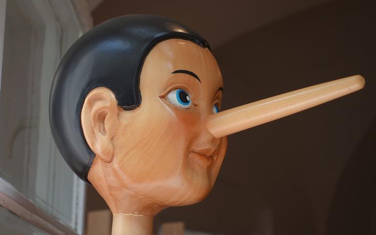 O nariz de Pinóquio cresce toda vez que ele mente