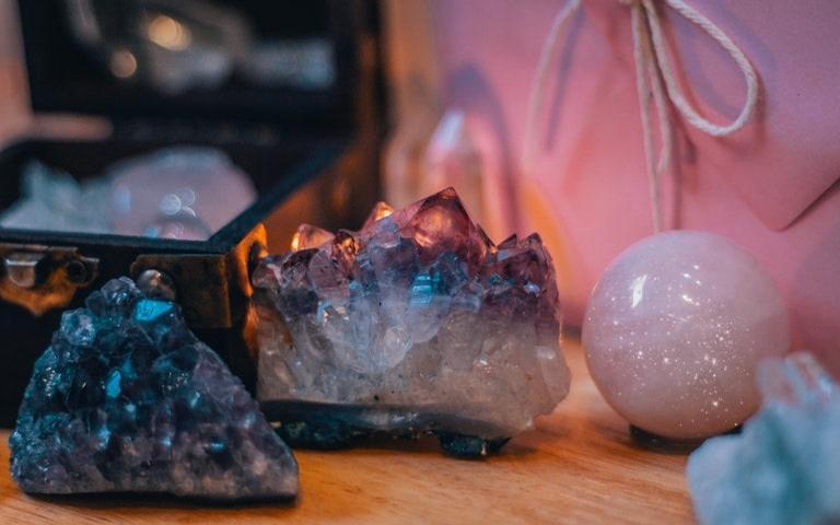 Adivinhação com pedras