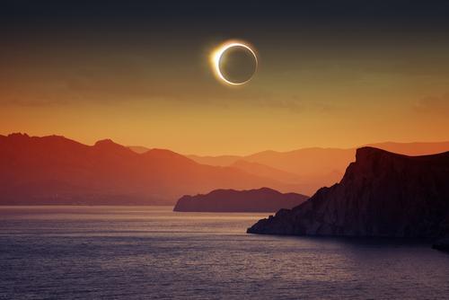 Saiba mais sobre as energias do Eclipse Lunar em Gêmeos