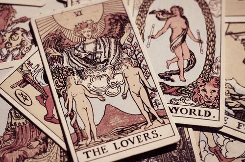 Confira as previsões do tarot para o amor em 2021