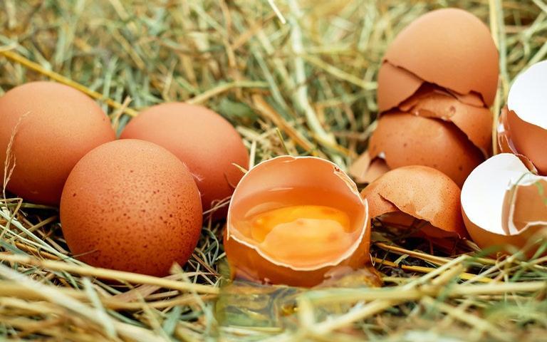 Veja como usar ovos para fazer simpatias de amor