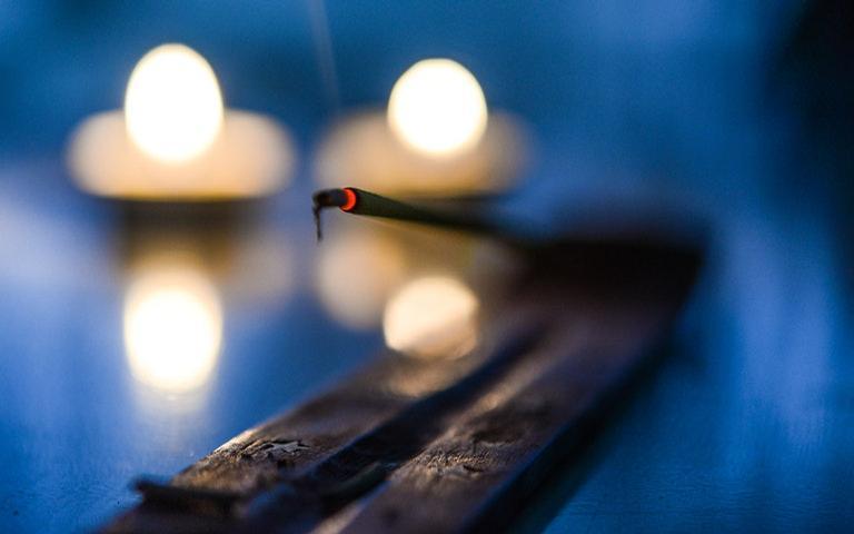Confira 13 incensos naturais para atrair boas energias