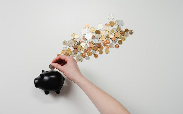Veja simpatias para ter mais dinheiro e não se preocupar com o financeiro no ano que vem