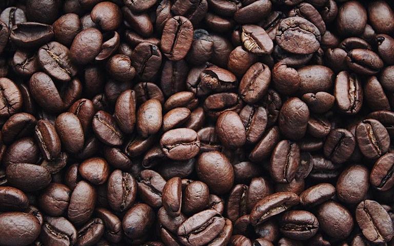 Conheça o poder místico do café e seus benefícios