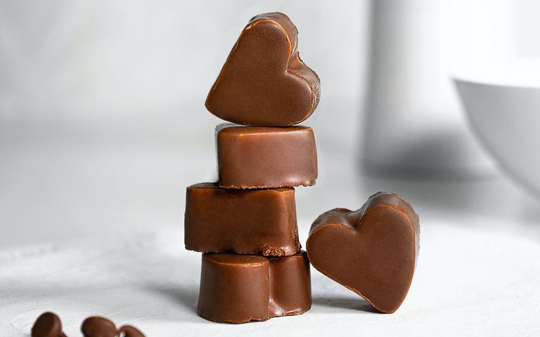 Veja como fazer simpatias com chocolate