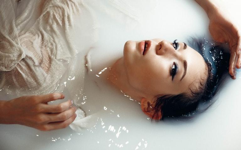 Aprenda a fazer banhos que vão te ajudar na arte da conquista