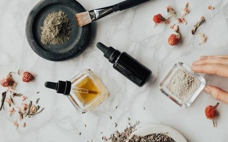 Aromaterapia: óleos essenciais para aliviar sintomas da ansiedade e depressão