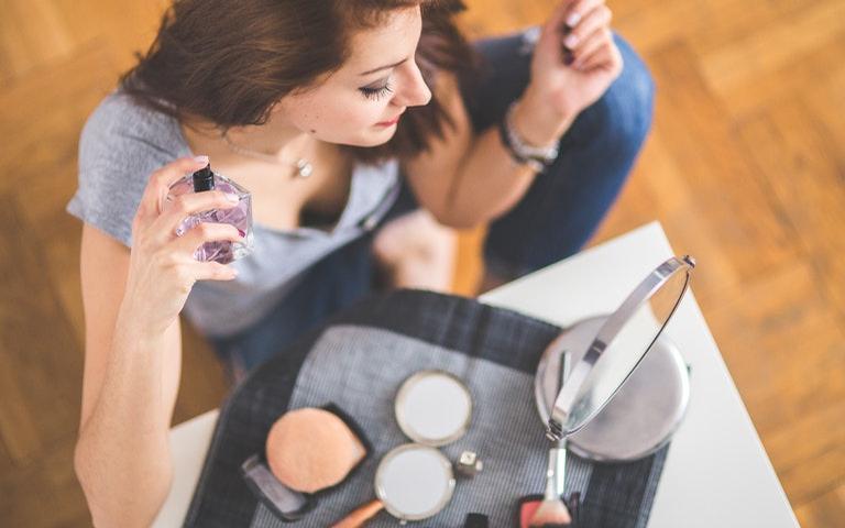Use e abuse de seus perfumes para atrair os olhares de quem você deseja