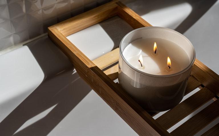 Use as velas aromática ao seu favor para melhorar seu humo