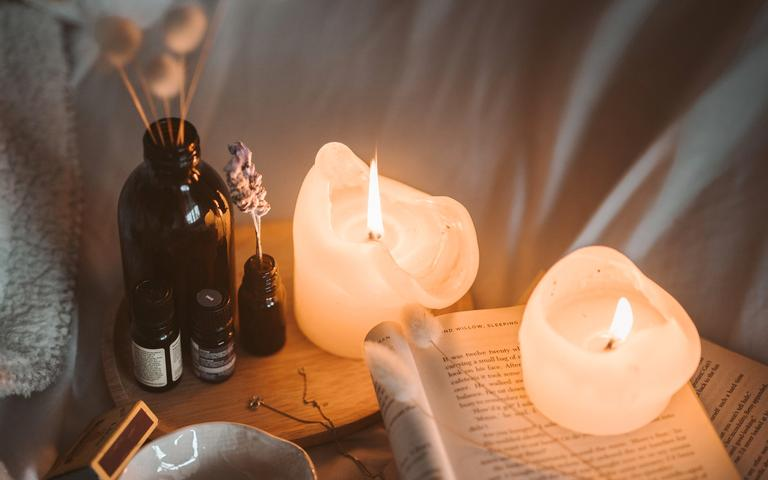 Confira como fazer velas aromáticas caseiras