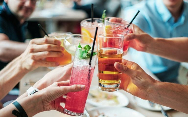 Veja se a astrologia acertou seu tipo de bebida preferida