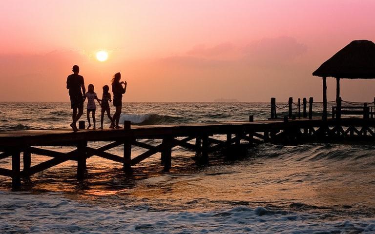 Conheça os 4 signos que sonham em casar e ter uma família
