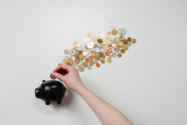 Veja 7 simpatias para nunca mais faltar dinheiro