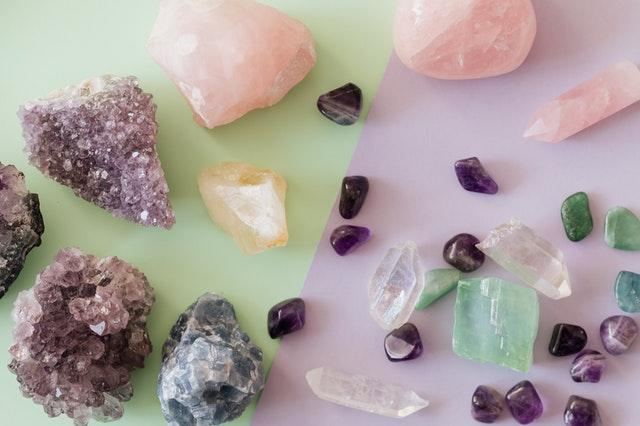 5 pedras semi preciosas para te ajudar nos estudos e no trabalho