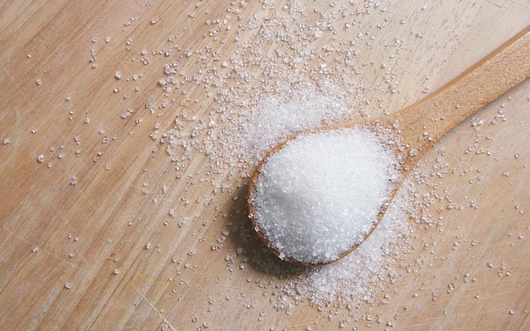 O sal grosso pode ser um ótimo aliado nas simpatias de proteção