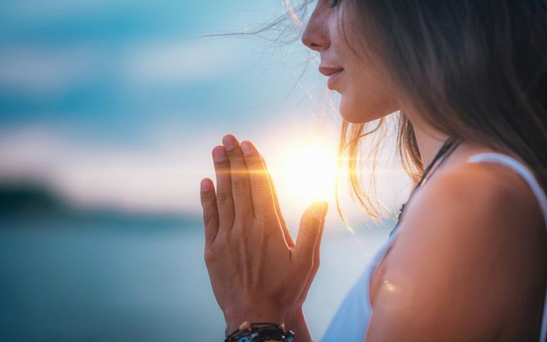Não deixe a inveja entrar na sua vida com essas orações