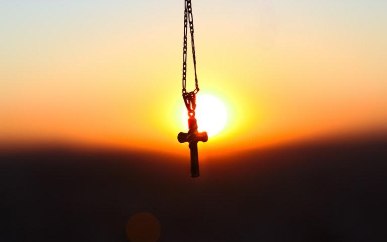 Faça a oração por setes dias e mantenha fé no seu pedido