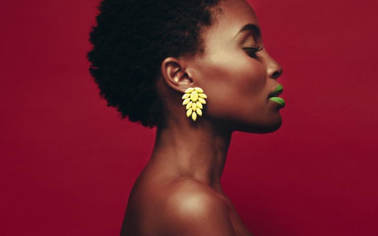 O segredo da maquiagem energética é fazer a escolha de cada traço e de cada cor com consciência e objetivo
