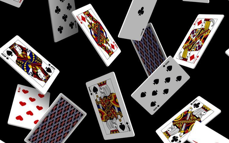 Saiba como obter respostas com cartas de um baralho simples, porém energizado!