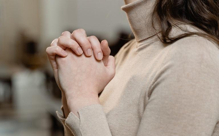 No espiritismo, os adeptos são estimulados a refletirem segundo o evangelho. Saiba quais preceitos espíritas são aconselhados nos centros